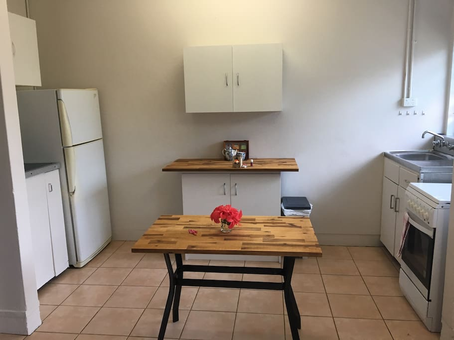 Fully self contained kitchen, with oven. Tea/coffee and other basic supplies  provided.