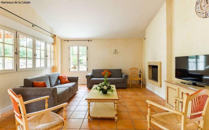 Villa Équipée avec PISCINE PRIVÉE et Terrasse!