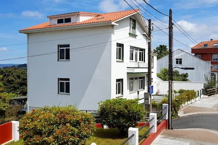 1st floor flat. Town centre, A+ views, beach 500m