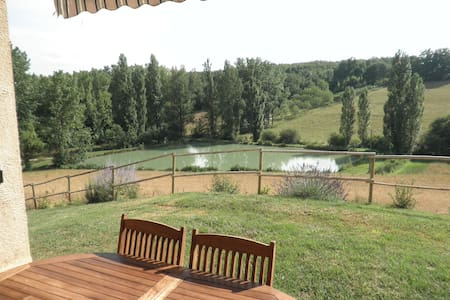 House with wonderful lake view - Molières - Casa