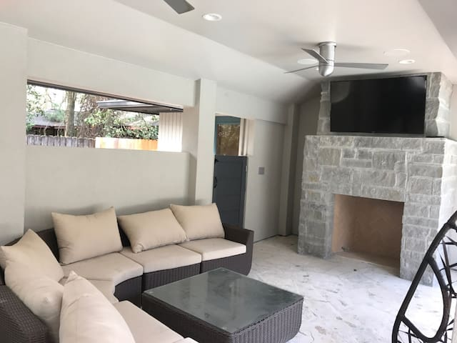 Memorial 4/4 heated pool/entire home - Houston - Haus