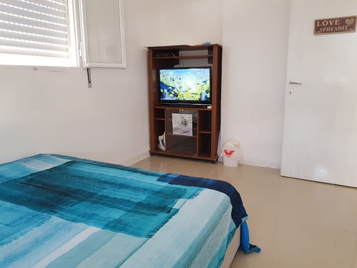 RENOVATED APARTMENT 2 ROOMS NEAR BEACH + SIM CARD