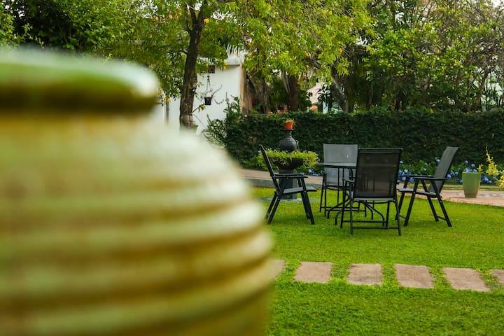 Evid Garden Negombo - Budget Double Room 03