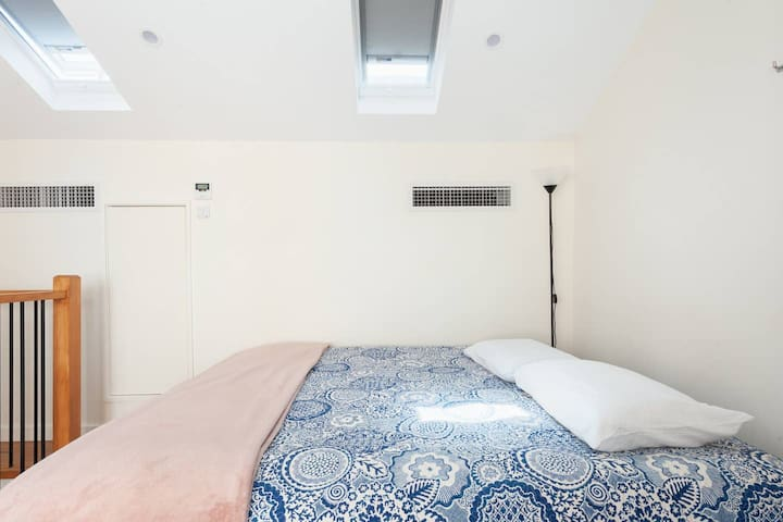 CBD Central Station 5mins 1BDR Clean & Stylish
