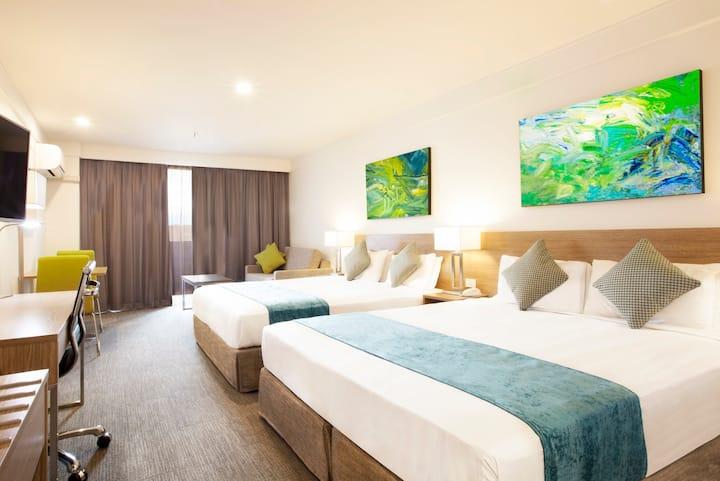 Metro Aspire Hotel Sydney — Premium Deluxe Room