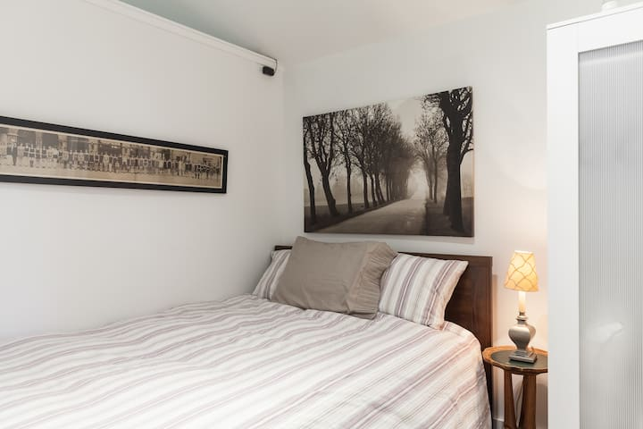 the bedroom angle 1.