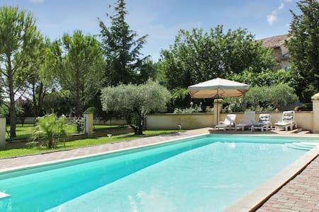 Maison avec jardin dans le Vaucluse - Althen-des-Paluds