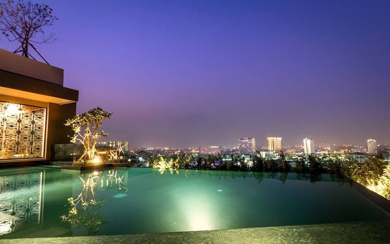 Luxury Condominiums near Night Bazaar!!!! - Chiang mai - Huoneisto