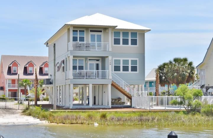 Beautiful LIttle Lagoon Family Home Private Pool, Fishing Pier, Pet Friendly - 1983
