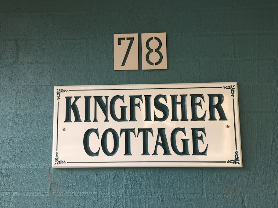 Kingfisher Cottage front verandah