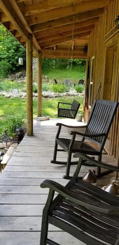 Little McKee Airbnb at Sugar Creek Farm