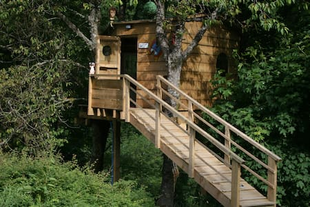 Three log cabins with WC and Sauna and Treehouse - Llanwddyn - Casa de campo