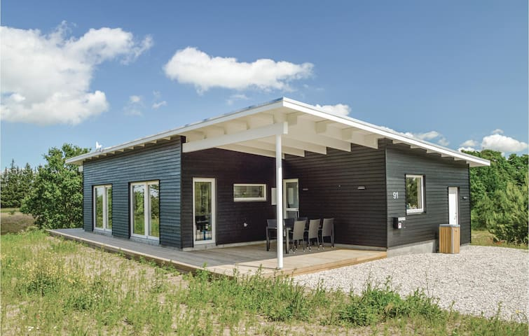 Holiday cottage with 3 bedrooms on 99m² in Skals
