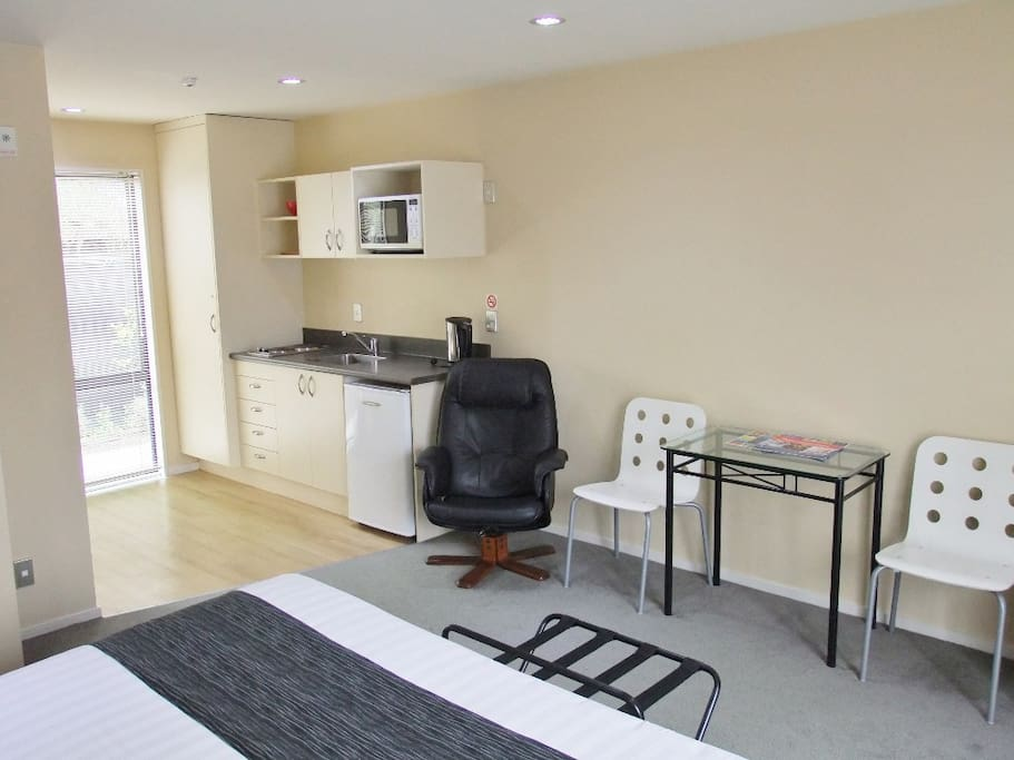 Mini kitchen with sitting area