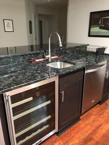 Valentine Suite - Fridge and dishwasher