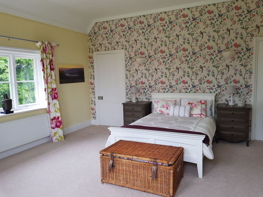 Beautiful spacious en suite room overlooking 4 acres of gardens and orchards