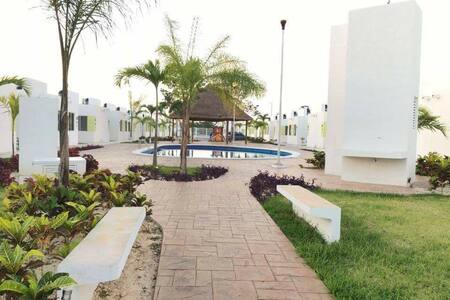 For rent, comfortable and economical. CASAENRENTA - Cancun - Hus