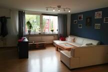 Schönes Zimmer in vollausgestatteter Wohnung