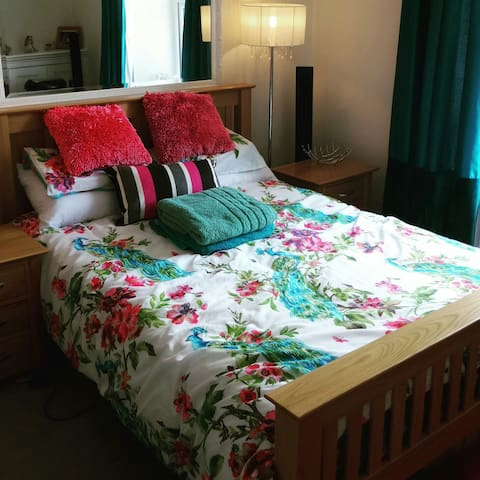 Beautiful double room in a friendly home