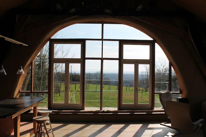 L'Allumette, Chez Barbara et Benoît