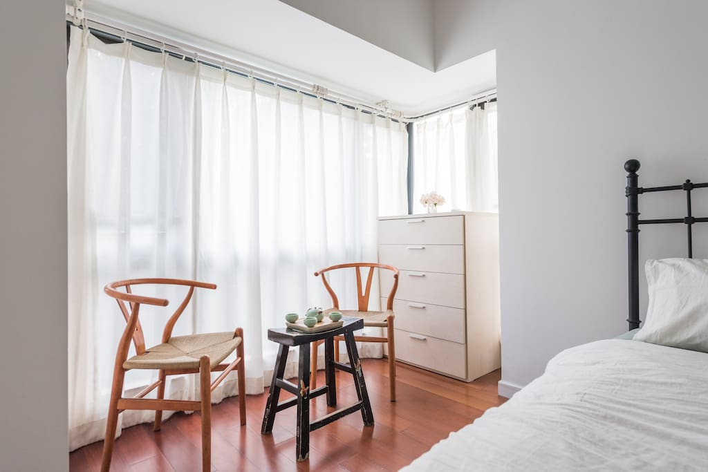 R2: This room is the second biggest room on the second floor. You'll get one Queen size bed, two side tables, one drawer, one huge closet and our beautiful courtyard is just outside your window.