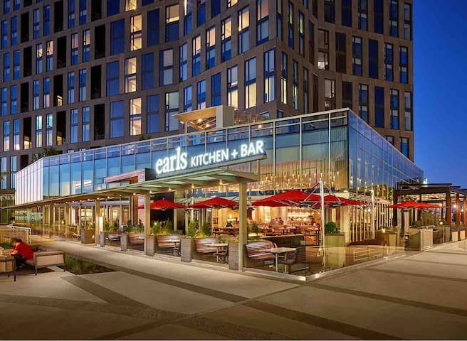 Tysons Highrise | Top Location | Mall & Metro