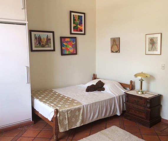 El Alfar. Amazing  Neocolonial House, cozy & quiet - Tegucigalpa - House