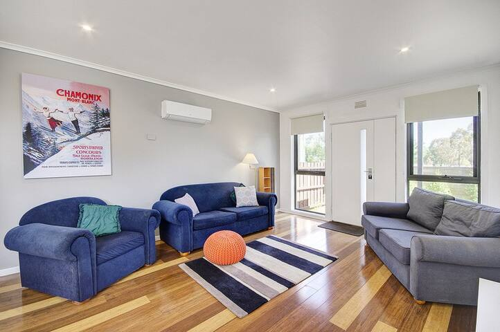 Kardinia Park Lodge central modern light renovated - Geelong - House