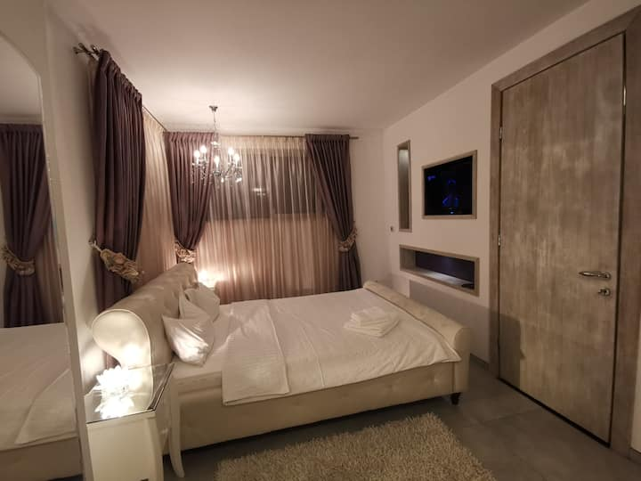 KUBIQ Residence - Deluxe Queen Room