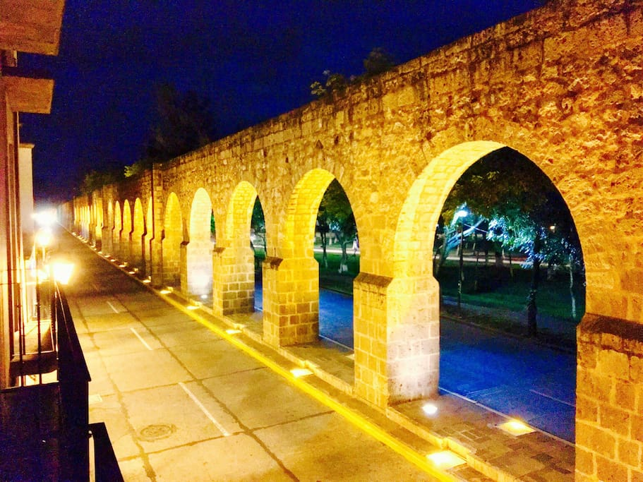 Hypnotic view from  the house's balcony.  The famous Aqueduct at Morelia is simply... the city´s landmark. Make your own postal card!