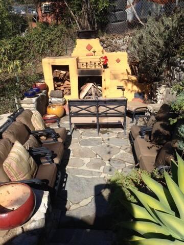 Rose Bowl House Sleeps 10 - Pasadena - Casa