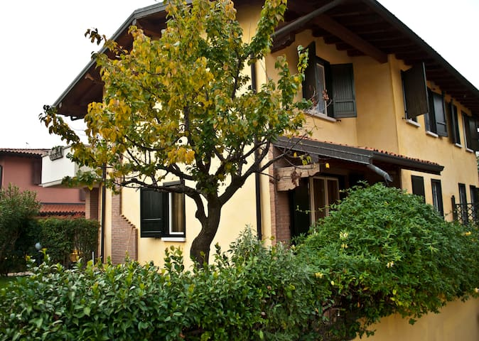 B&B Uva Bianca, Camera Singola + - Passirano - Bed & Breakfast