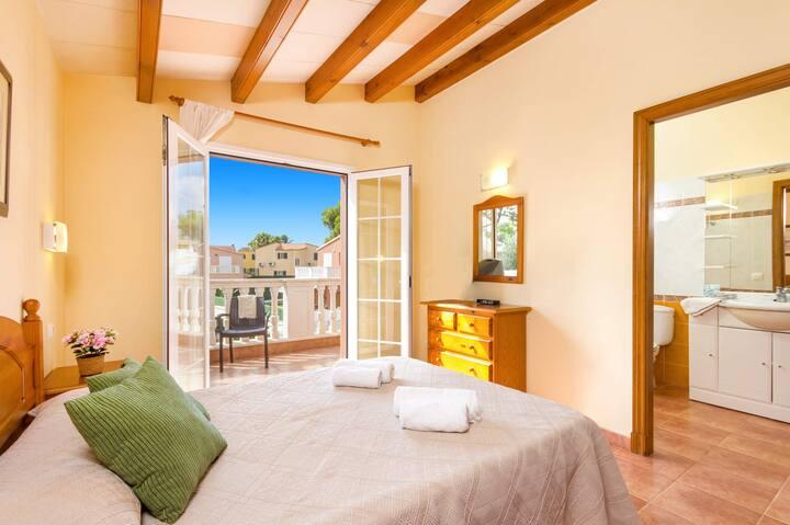 Martinur 3 bedroom villa, Cala'n Blanes