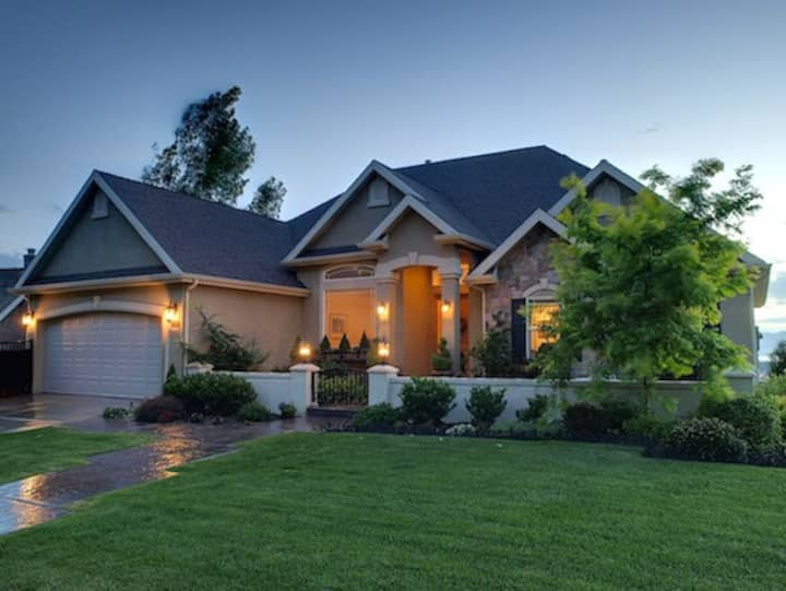 Beautiful Upscale Provo Home w/ Spectacular Views