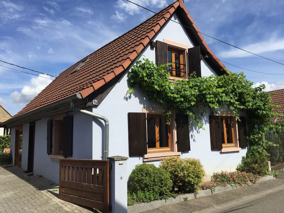 Maison de charme atypique au calme maisons louer for Location maison atypique