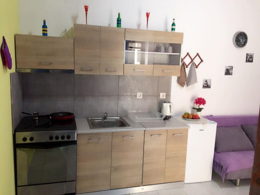 Modern fully equipped kitchen.!!