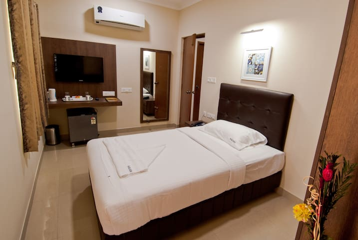 Very Spacious Single Bed view
