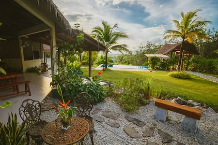 Alamanda Tropical Wooden Villa - Pool View