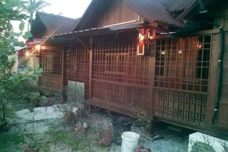 YC Roomstay with 2 bedroom - Aircon