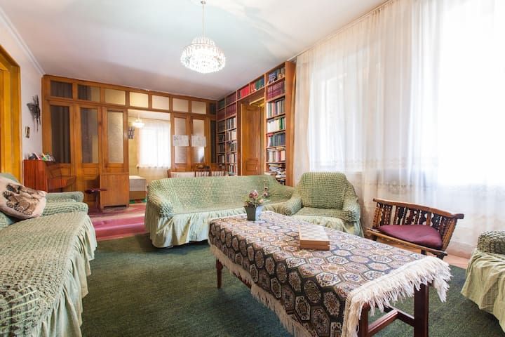 Ketino Sujashvili - Stepantsminda - Bed & Breakfast