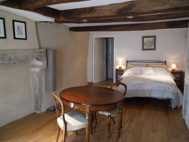 chambre dans le centre de Cluny - Cluny - Bed & Breakfast
