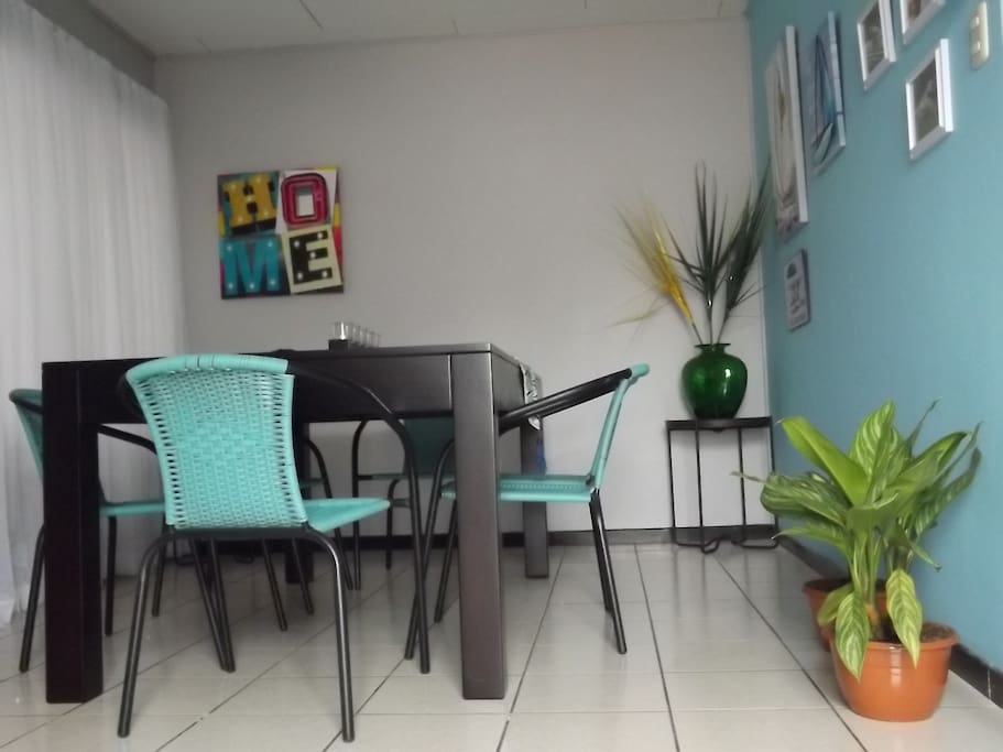 Lovely dining area. Spacious, bright.