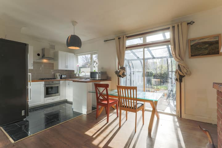 Cosy, clean, lovely double room. Blackheath