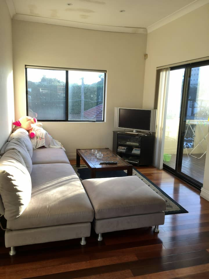 Private room in Randwick- less than 2mins to UNSW