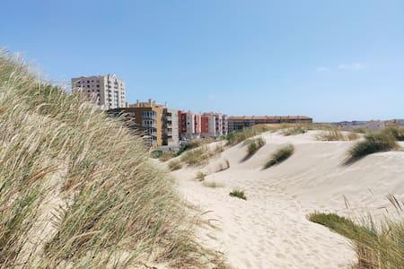 1min walk to the beach