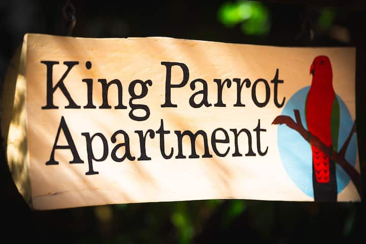 King Parrot Apartment set amid the beautiful & peaceful rainforest with garden views