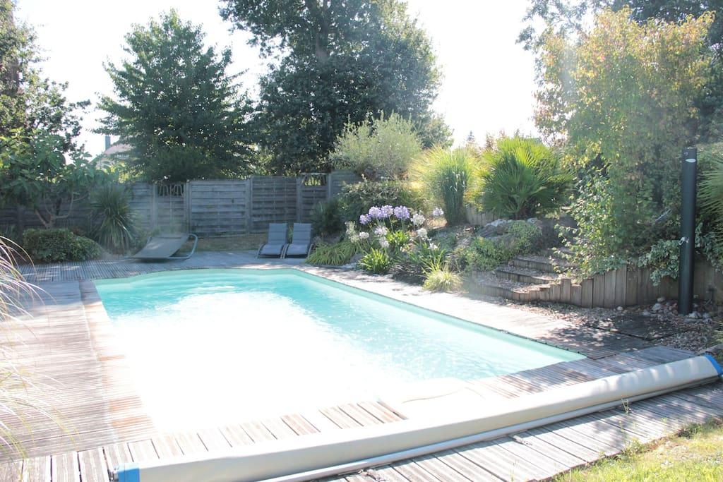Profitez du jardin et de la piscine