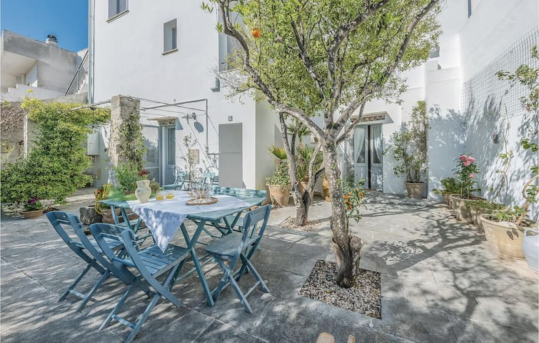 Semi-Detached with 2 bedrooms on 110m² in Marittima - Diso -LE-