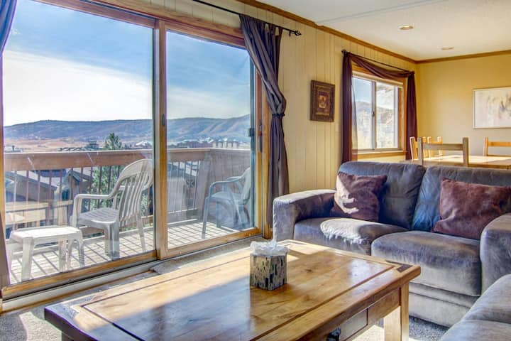 Just Listed! Ski-In/Walk Out, Amazing Ski Area Views, Private Shuttle, Balcony & Deck, Ski Locker