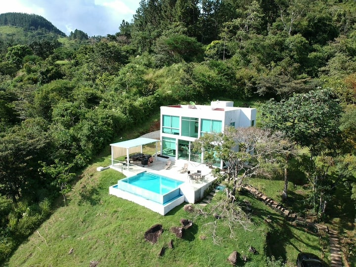 Modern House in Altos del Maria, Panama